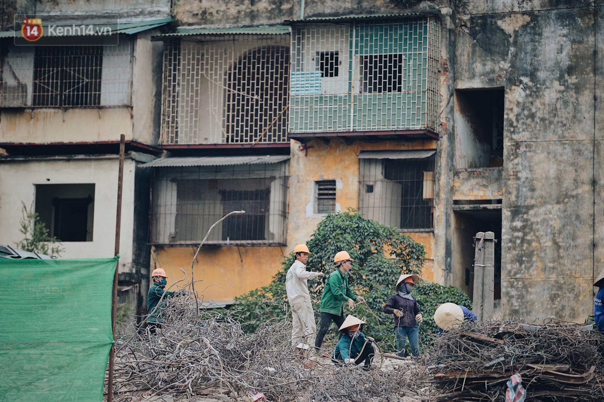 Phá dỡ khu tập thể đất vàng hơn 10 năm ngủ quên giữa trung tâm Hà Nội - Ảnh 8.