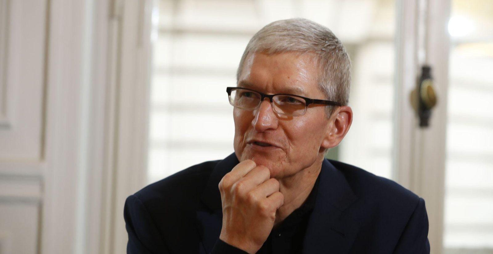Mark Zuckerberg's employees were banned following the crashing of Apple.