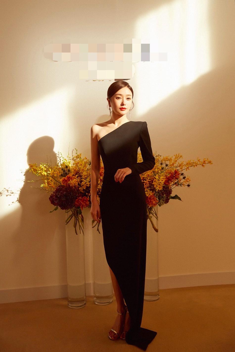 Hoàng Hậu Tần Lam khoe sắc vóc ngọc ngà, vòng 1 e ấp tại thảm đỏ sự kiện Hàn Quốc - Ảnh 7.