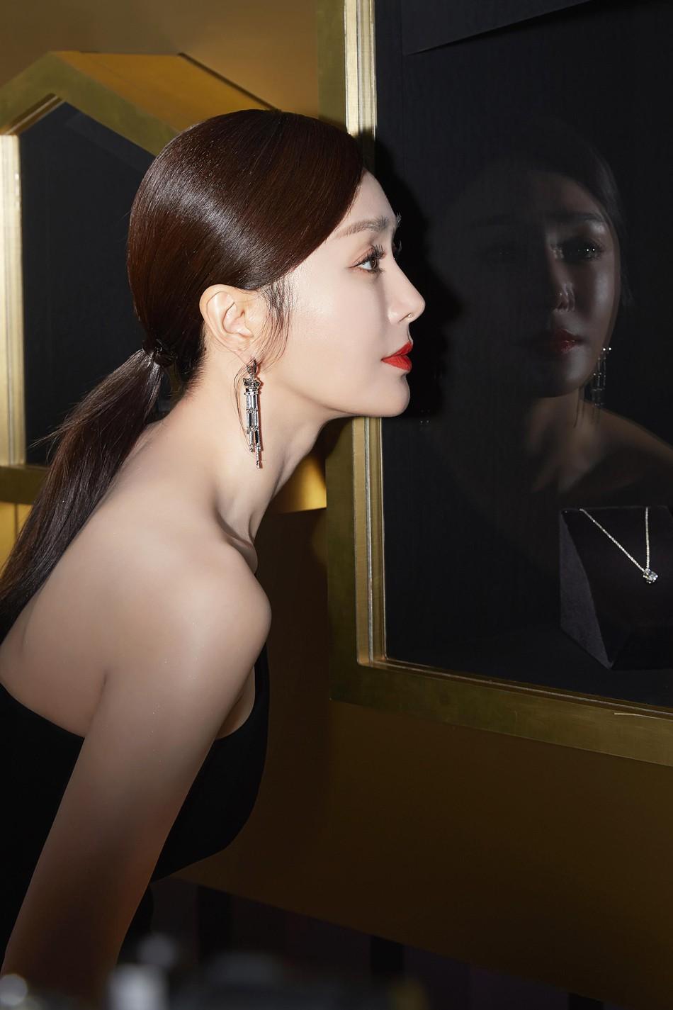 Hoàng Hậu Tần Lam khoe sắc vóc ngọc ngà, vòng 1 e ấp tại thảm đỏ sự kiện Hàn Quốc - Ảnh 9.