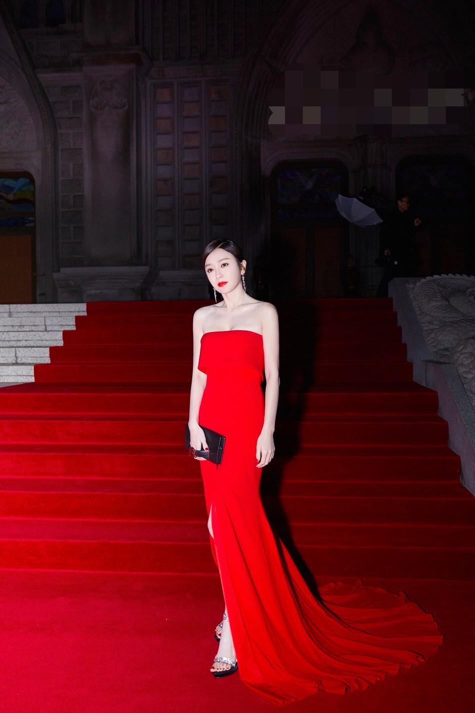 Hoàng Hậu Tần Lam khoe sắc vóc ngọc ngà, vòng 1 e ấp tại thảm đỏ sự kiện Hàn Quốc - Ảnh 2.