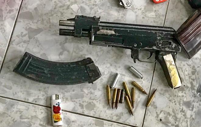 Trùm xã hội đen vừa ra tù đã mang súng bắn gục đối thủ giữa đường phố Nha Trang - Ảnh 2.