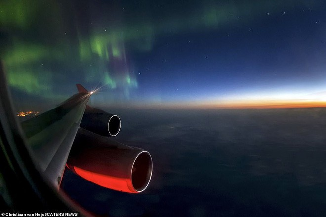 Ngắm không gian làm việc của phi công trong những bức ảnh này xong quay lại nhìn của mình mà thấy buồn... Photo-5-15424667377692125297325