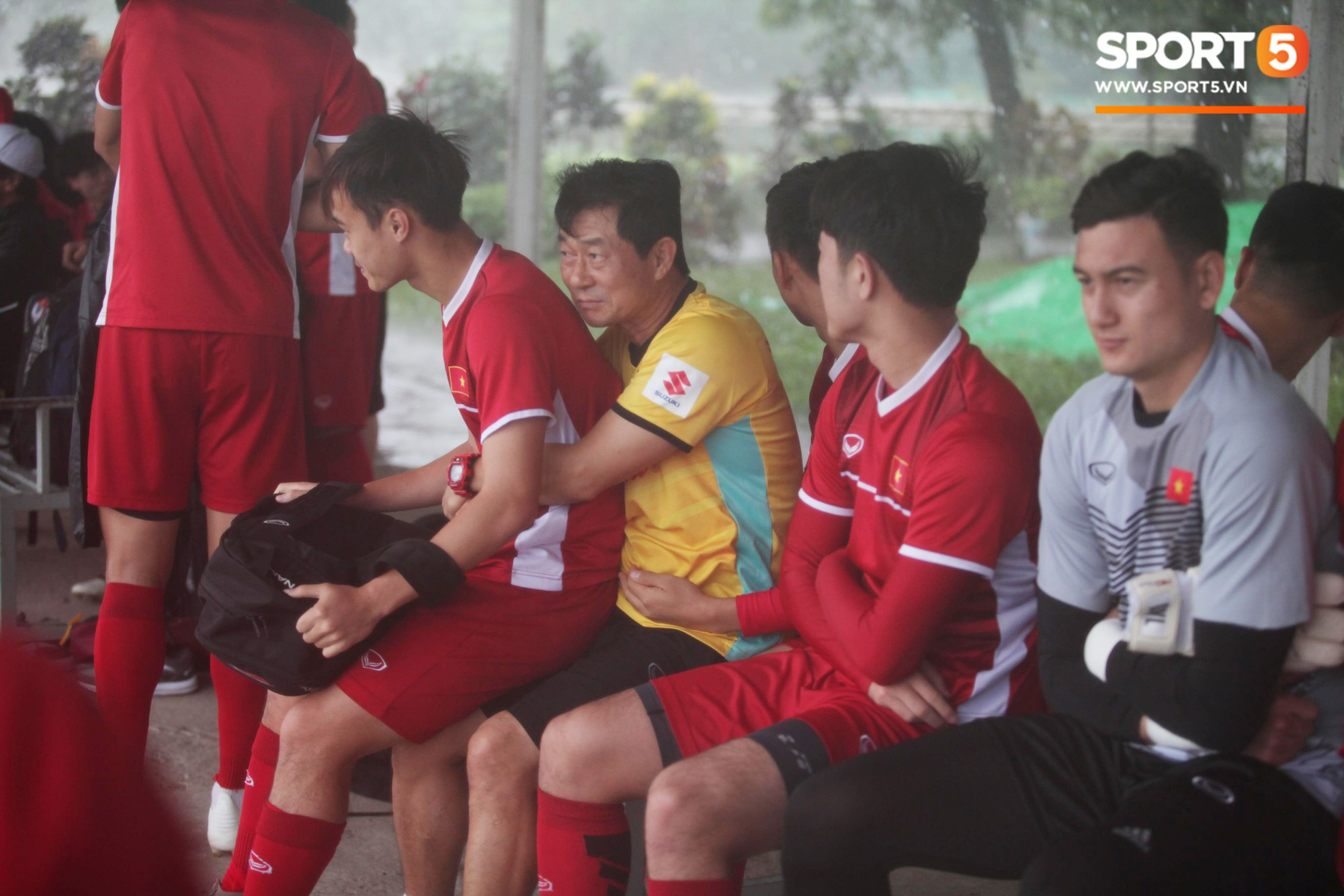 Vice-team against Vietnam: The weather must also be known when training and competition - Picture 2.