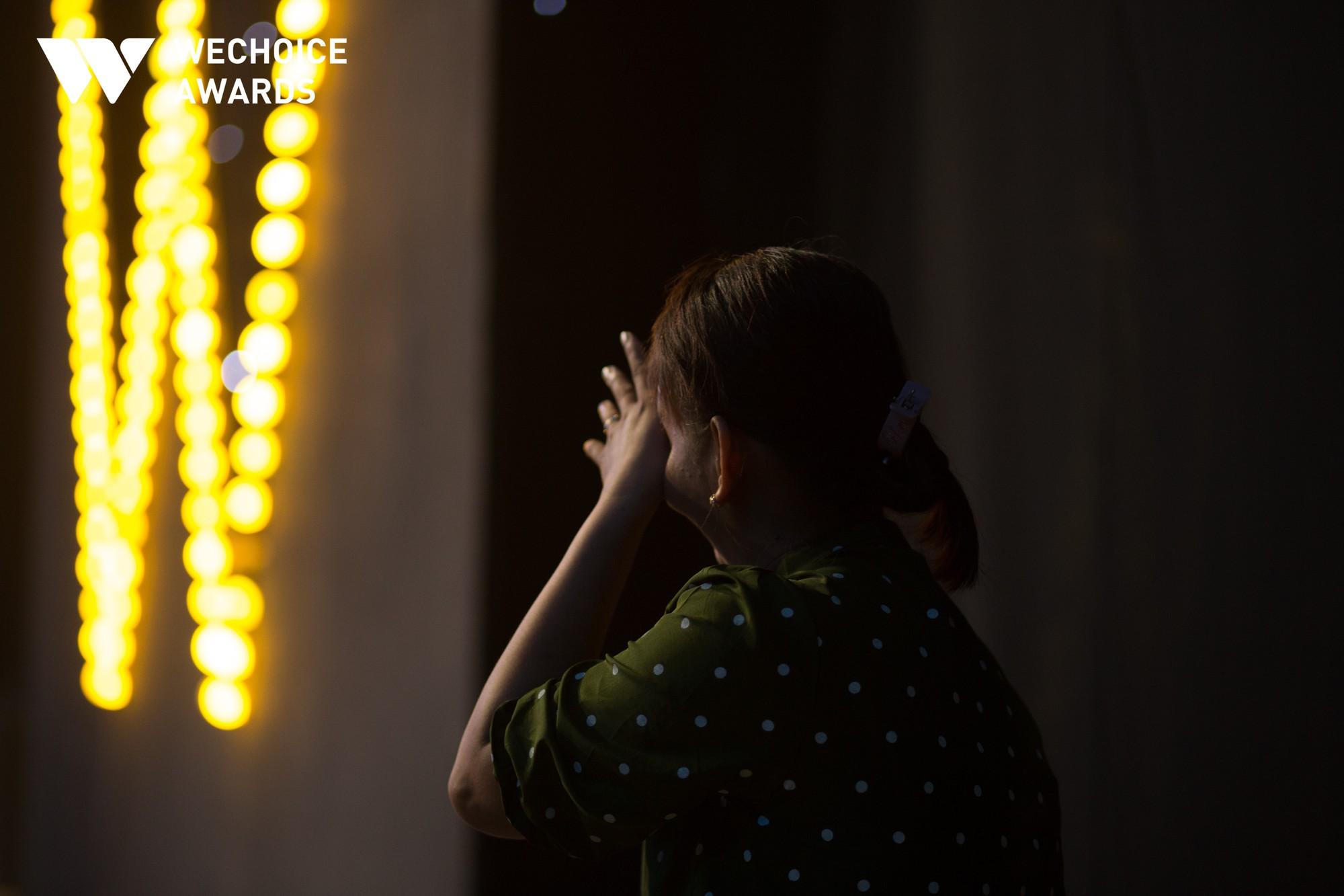 Mẹ cậu bé xếp dép bật khóc trên sóng truyền hình khi nhắc đến ước mơ thành hiện thực: Có việc làm để nuôi con - Ảnh 5.