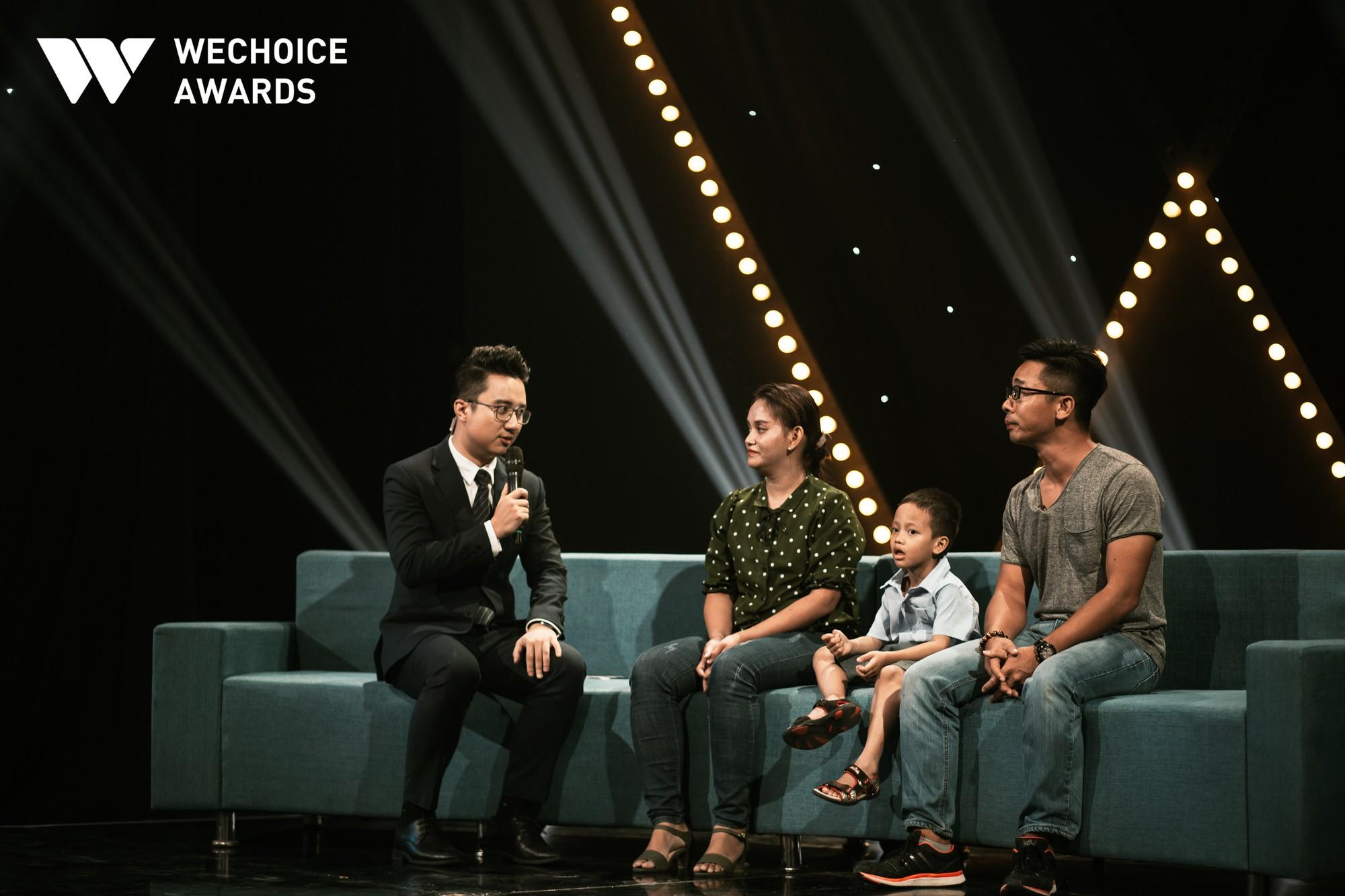 Mẹ cậu bé xếp dép bật khóc trên sóng truyền hình khi nhắc đến ước mơ thành hiện thực: Có việc làm để nuôi con - Ảnh 6.