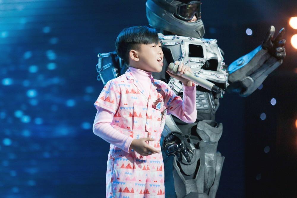 Giọng hát Việt nhí: Bảo Anh đau khổ, Khắc Hưng bật khóc như mưa vì tự tay đưa học trò vào top nguy hiểm - Ảnh 3.