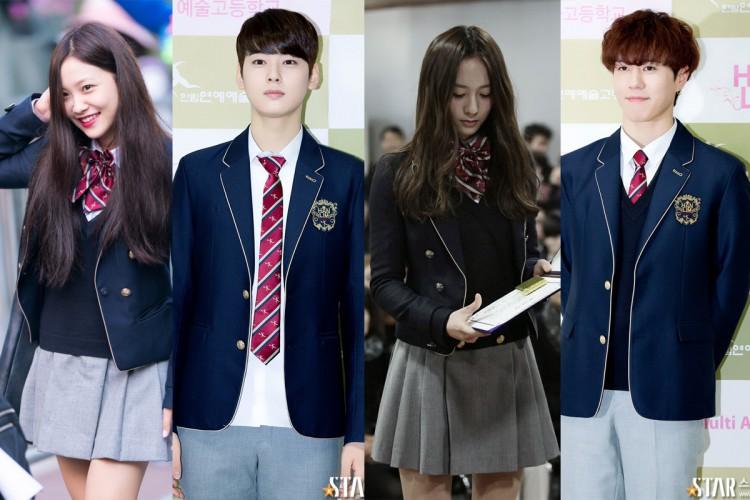 Soi đồng phục của học sinh Hàn: Trường gây choáng về giá tiền đắt đỏ, trường dẫn đầu vì sang chảnh như hoàng gia - Ảnh 1.