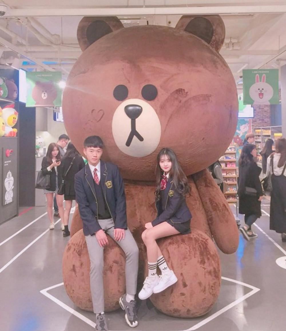 Soi đồng phục của học sinh Hàn: Trường gây choáng về giá tiền đắt đỏ, trường dẫn đầu vì sang chảnh như hoàng gia - Ảnh 3.