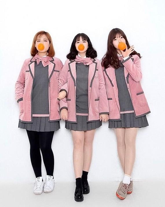 Soi đồng phục của học sinh Hàn: Trường gây choáng về giá tiền đắt đỏ, trường dẫn đầu vì sang chảnh như hoàng gia - Ảnh 9.