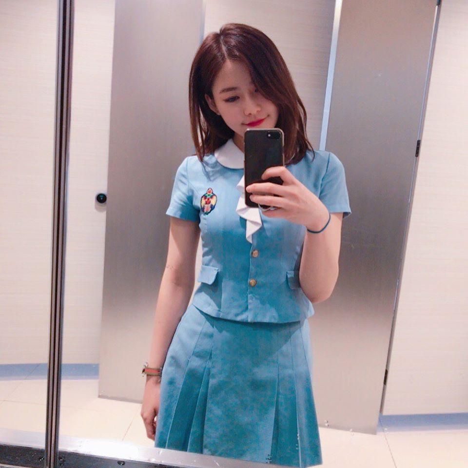 Soi đồng phục của học sinh Hàn: Trường gây choáng về giá tiền đắt đỏ, trường dẫn đầu vì sang chảnh như hoàng gia - Ảnh 14.