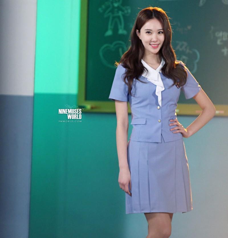 Soi đồng phục của học sinh Hàn: Trường gây choáng về giá tiền đắt đỏ, trường dẫn đầu vì sang chảnh như hoàng gia - Ảnh 15.