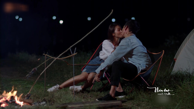 The final part of the Vietnamese version of the final program will be: Hoai Phuong and Duy Kien are hard to kiss, and show part 2 - Picture 2.