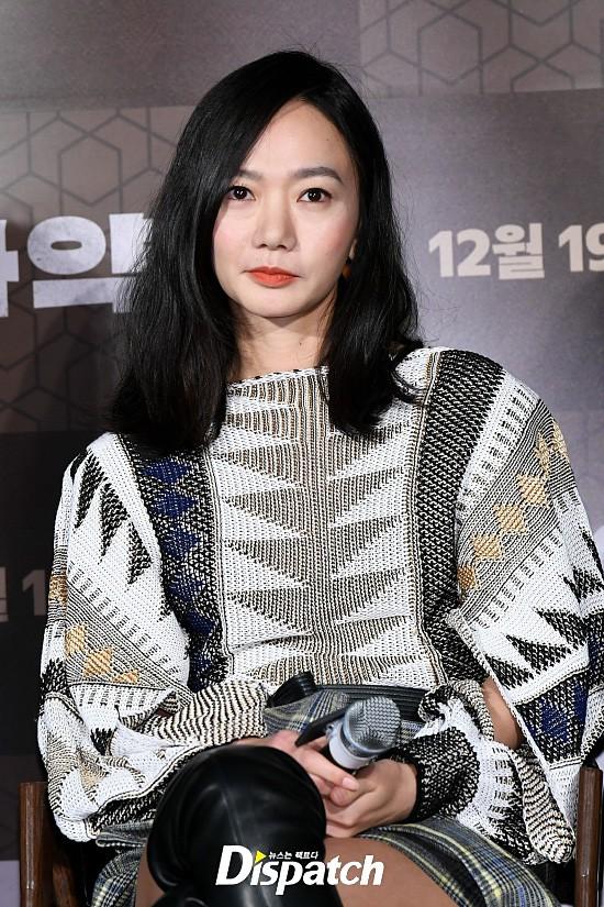Lần đầu lộ diện sau khi cưới nữ ca sĩ Hậu duệ mặt trời, Jo Jung Suk thay đổi hẳn bên ảnh hậu nhà tài phiệt - Ảnh 7.