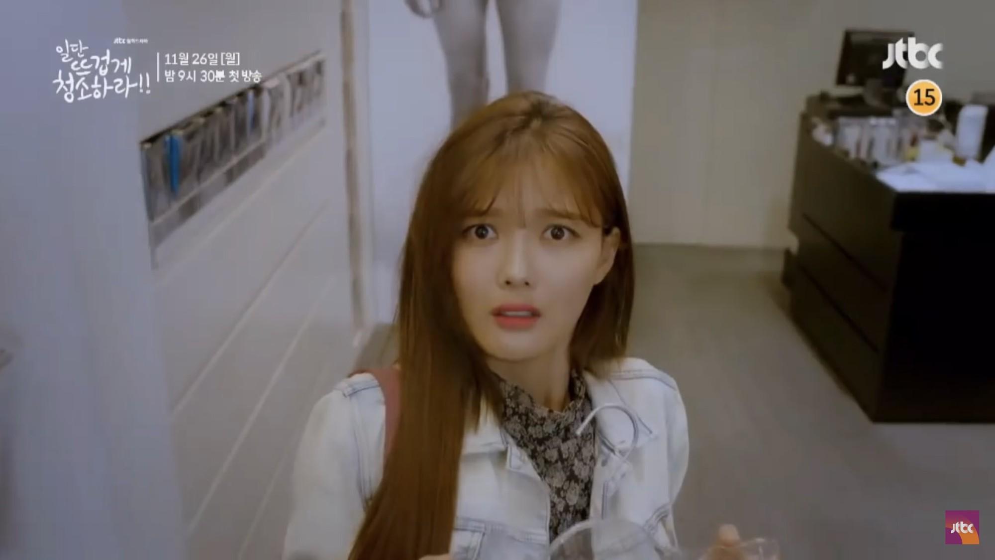 """Tiểu mỹ nhân Mây Họa Ánh Trăng Kim Yoo Jung hóa quý cô công sở trong """"Cô Tiên Dọn Dẹp"""" - Ảnh 7."""