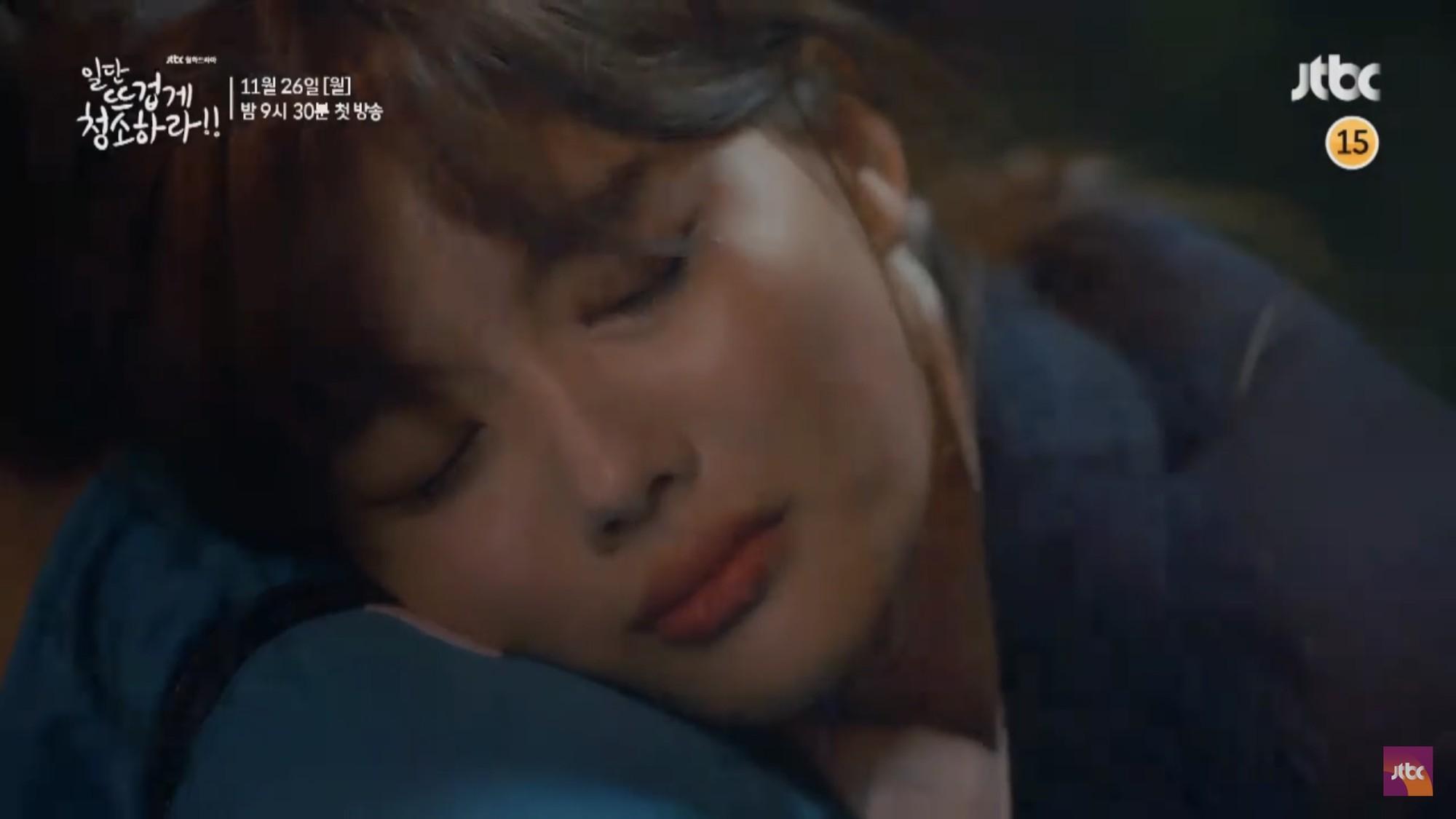 """Tiểu mỹ nhân Mây Họa Ánh Trăng Kim Yoo Jung hóa quý cô công sở trong """"Cô Tiên Dọn Dẹp"""" - Ảnh 11."""