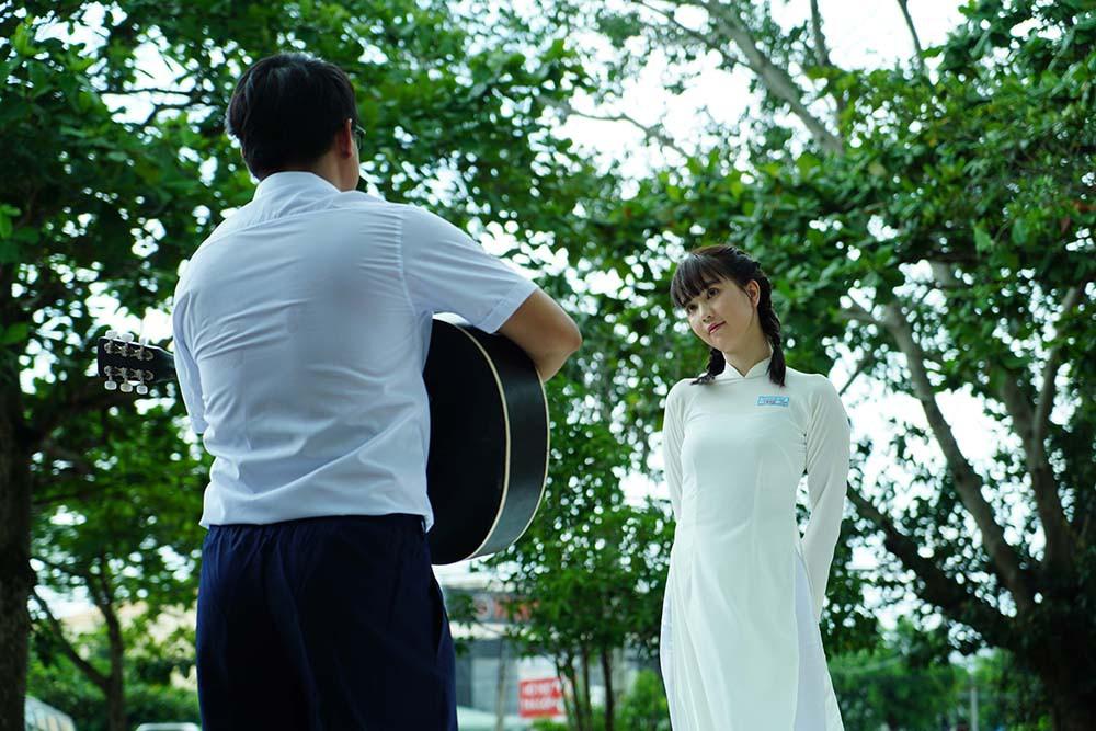 Đố bạn nhận ra nữ sinh tết bím tinh nghịch, diện áo dài trắng này là nữ hoàng nội y Ngọc Trinh - Ảnh 8.