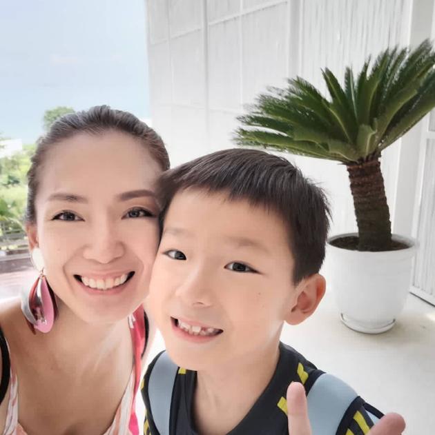 Đông Phương Bất Bại Trịnh Tú Trân tuyên bố ly hôn với chồng thương gia sau 8 năm mặn nồng - Ảnh 1.