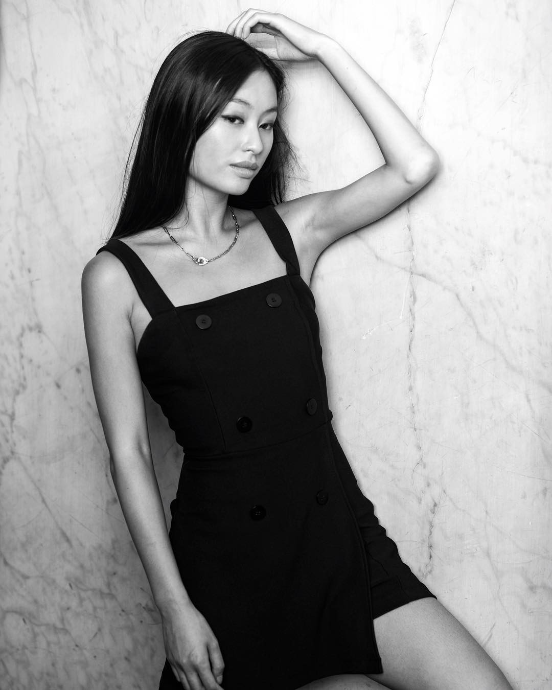 A 21-year-old daughter of the most successful Vietnam leader in the world: Face Cinema, body shape - Picture 6.