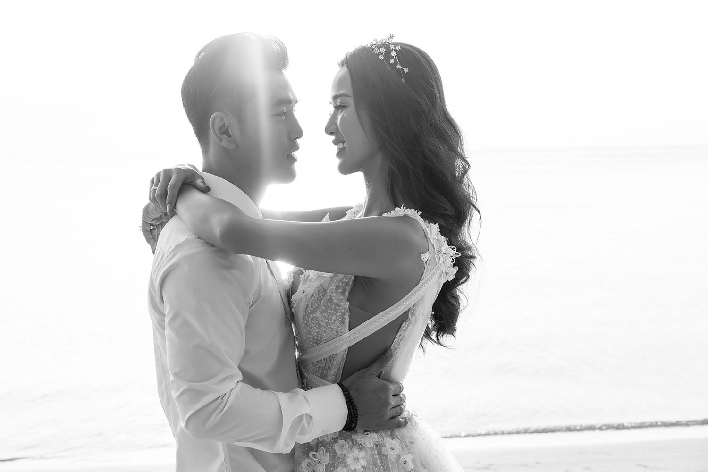 Ưng Hoàng Phúc bán nude trong bộ ảnh cưới với bà xã Kim Cương - Ảnh 9.