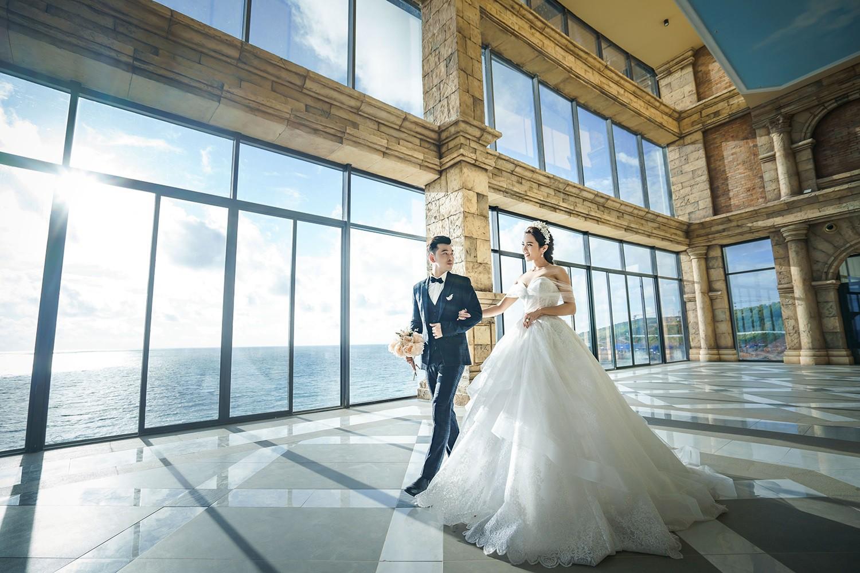 Ưng Hoàng Phúc bán nude trong bộ ảnh cưới với bà xã Kim Cương - Ảnh 8.