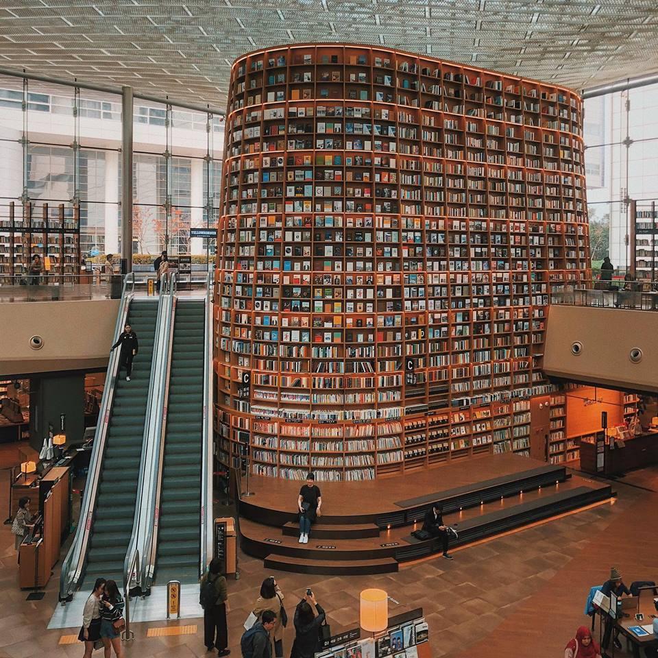Thư viện khổng lồ nằm ở tận Seoul nhưng bạn trẻ Việt Nam nào đến đây cũng phải check-in cho bằng được! - Ảnh 19.