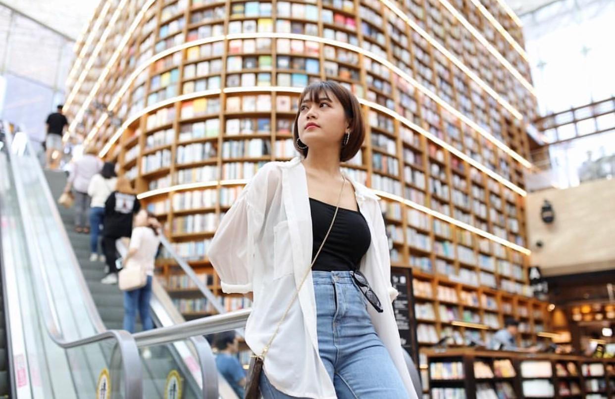 Thư viện khổng lồ nằm ở tận Seoul nhưng bạn trẻ Việt Nam nào đến đây cũng phải check-in cho bằng được! - Ảnh 4.
