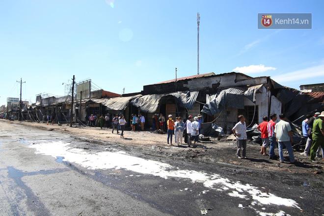 Vụ xe bồn xăng lao vào hàng loạt nhà dân gây cháy: 6 người tử nạn đều là người thân, 2 nạn nhân nhỏ nhất mới 6 tuổi - Ảnh 1.