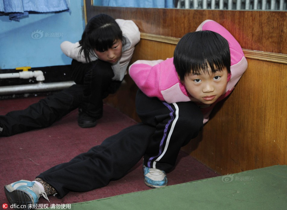 Inside the hard sports training classes in China - Picture 14.