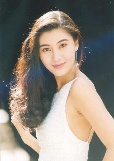 10 năm bên chồng đại gia, Hoa hậu đẹp nhất lịch sử Hong Kong khoe ảnh kỷ niệm hạnh phúc - Ảnh 1.