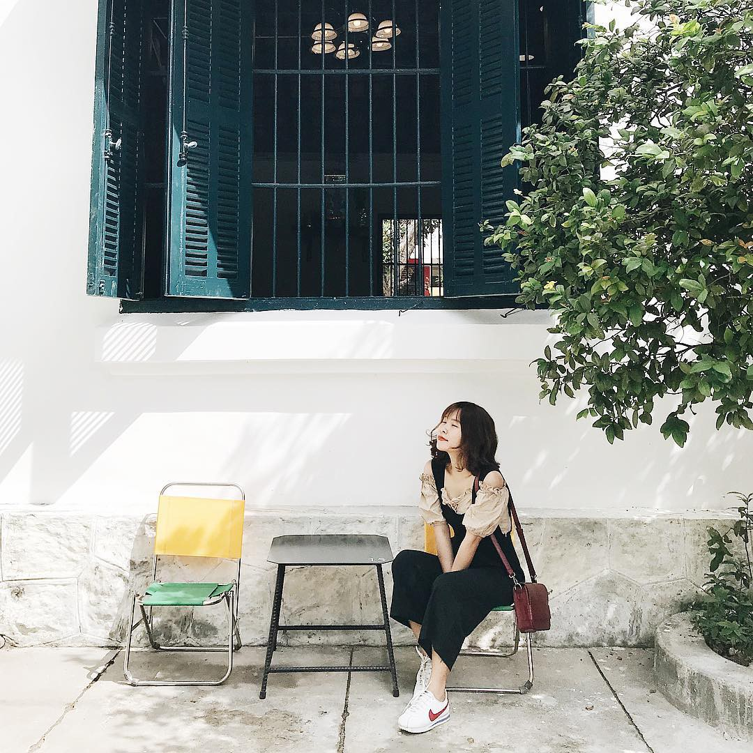 Những quán cà phê và khu tổ hợp xinh xắn khiến bạn muốn bất chấp book vé đi Đà Nẵng ngay - Ảnh 17.