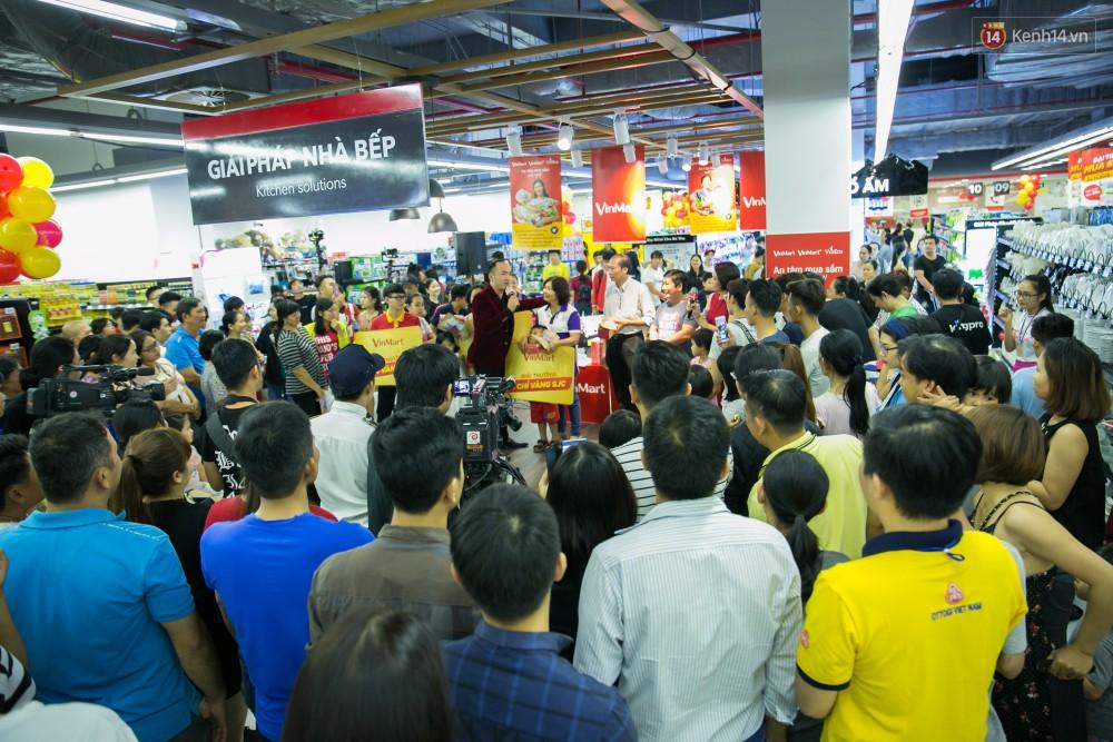 Trúng lớn tại cuộc đua mua sắm VinMart & VinMart+, lộ diện người đầu tiên trúng thưởng ô tô VinFast tại Việt Nam - Ảnh 11.
