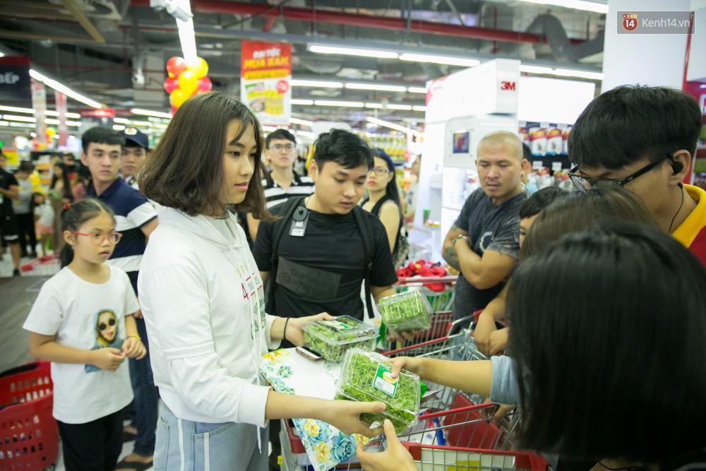 Trúng lớn tại cuộc đua mua sắm VinMart & VinMart+, lộ diện người đầu tiên trúng thưởng ô tô VinFast tại Việt Nam - Ảnh 18.