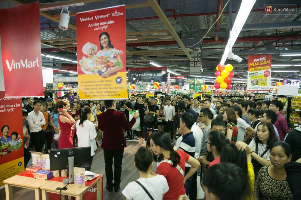 Trúng lớn tại cuộc đua mua sắm VinMart & VinMart+, lộ diện người đầu tiên trúng thưởng ô tô VinFast tại Việt Nam - Ảnh 19.