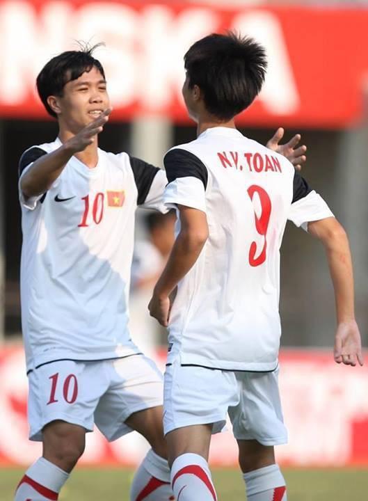 Và cùng nhau tỏa sáng rực rỡ trong màu áo U19 Việt Nam.