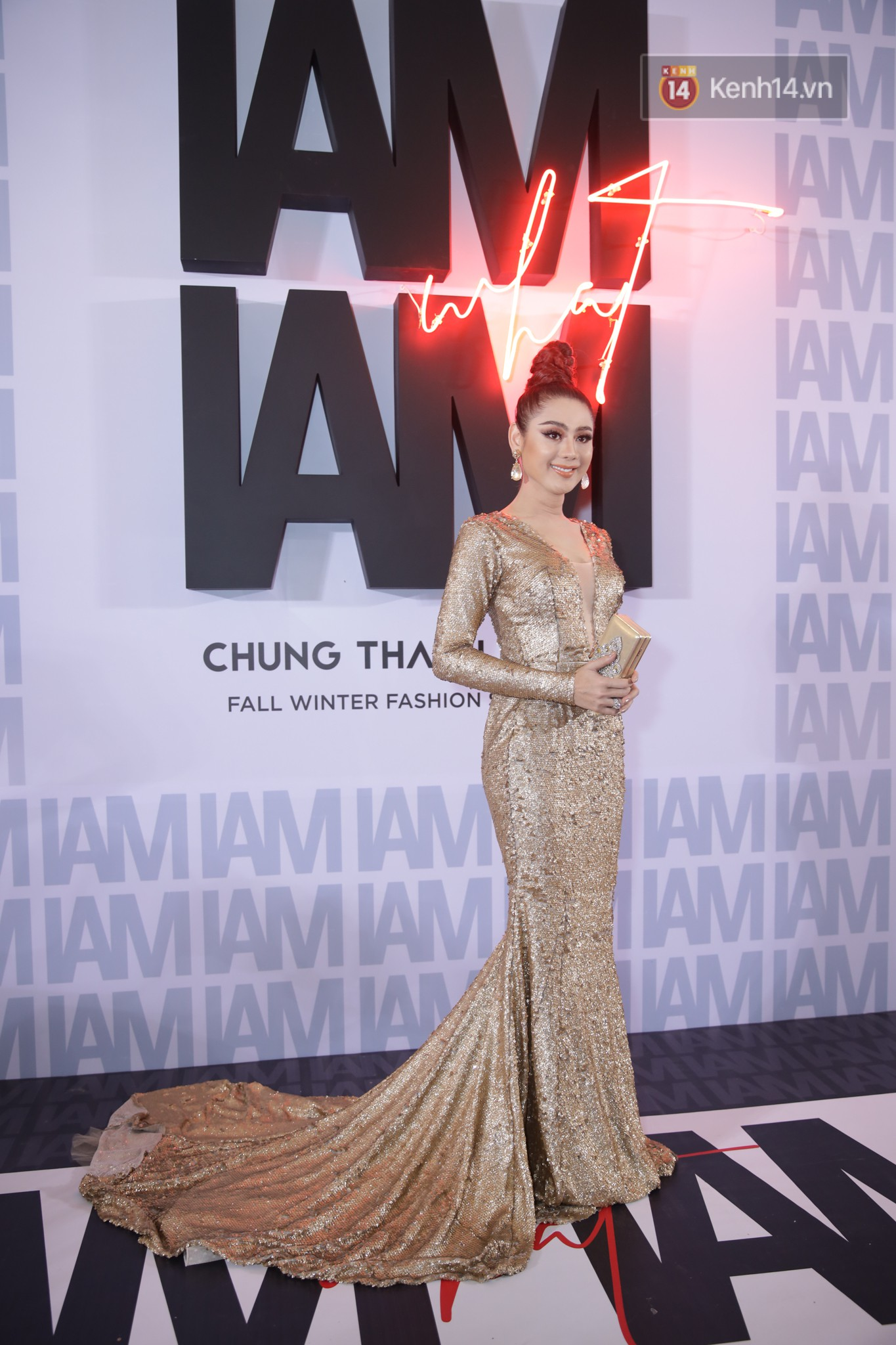 The red carpet Chung Thanh Phong show: It was able to test strange styles, Quỳnh Anh Shyn caught rain like spiders - Photo 11.