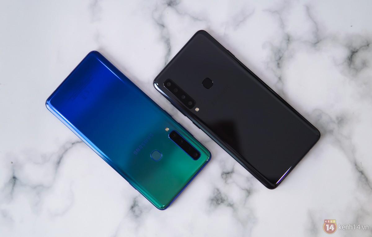 Mở hộp Galaxy A9 mới: Mặt lưng chuyển màu ấn tượng, 4 camera và selfie với sticker thuần Việt - Ảnh 10.