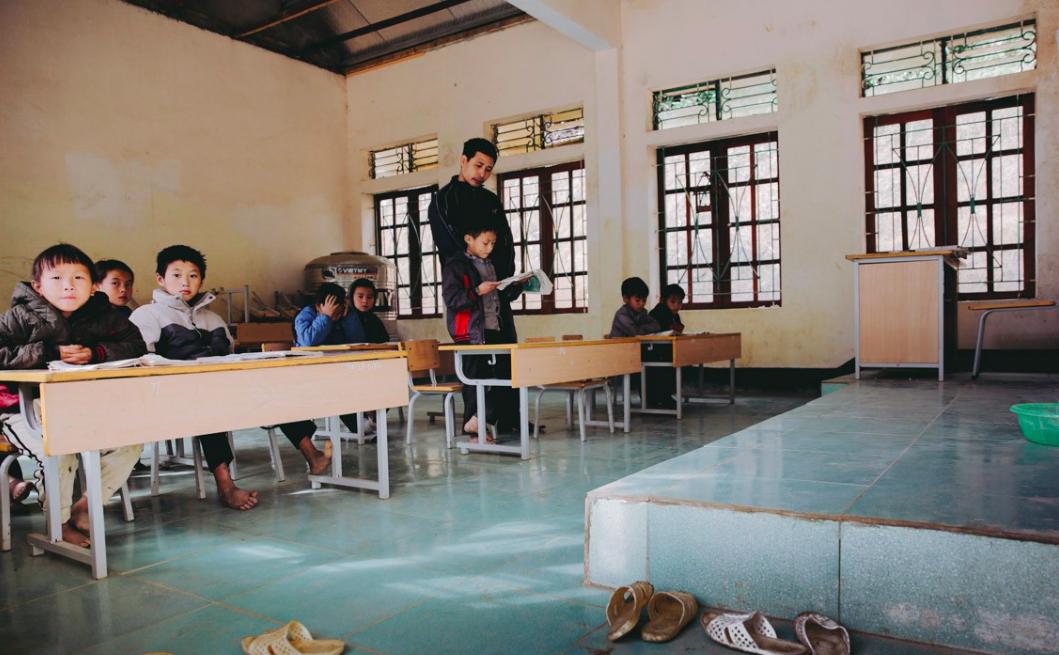 Tuổi xuân của những thầy giáo trẻ và ước mơ dang dở của học trò nghèo trên đỉnh trời Phà Cà Tún - Ảnh 6.
