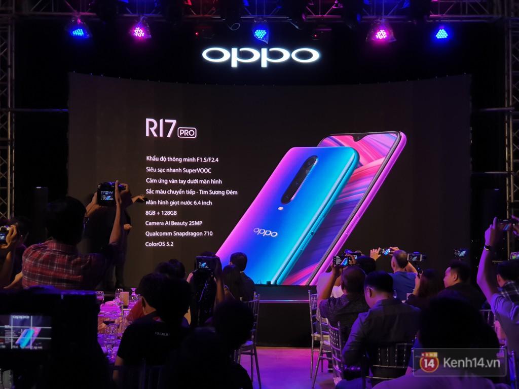 Điện thoại 3 camera đầu tiên của Oppo bán ra tại Việt Nam: rất đẹp, nhiều tính năng từ dòng cao cấp, giá gần 17 triệu đồng - Ảnh 1.