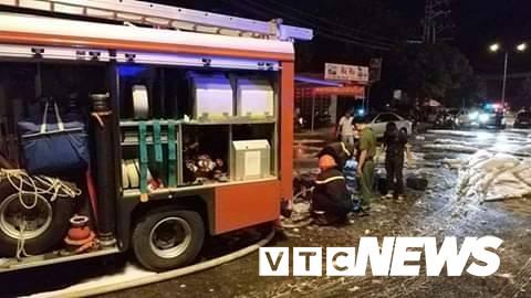 Cháy xe bồn chở xăng gần cây xăng ở Khánh Hoà - Ảnh 9.