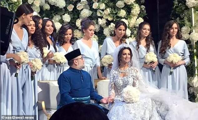 Cựu hoa hậu Nga làm đám cưới với quốc vương Malaysia