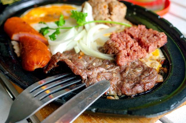 Những lúc chả biết ăn gì ở Hà Nội thì hãy nghĩ ngay đến 5 món bò dễ chiều lòng người sau đây - Ảnh 4.
