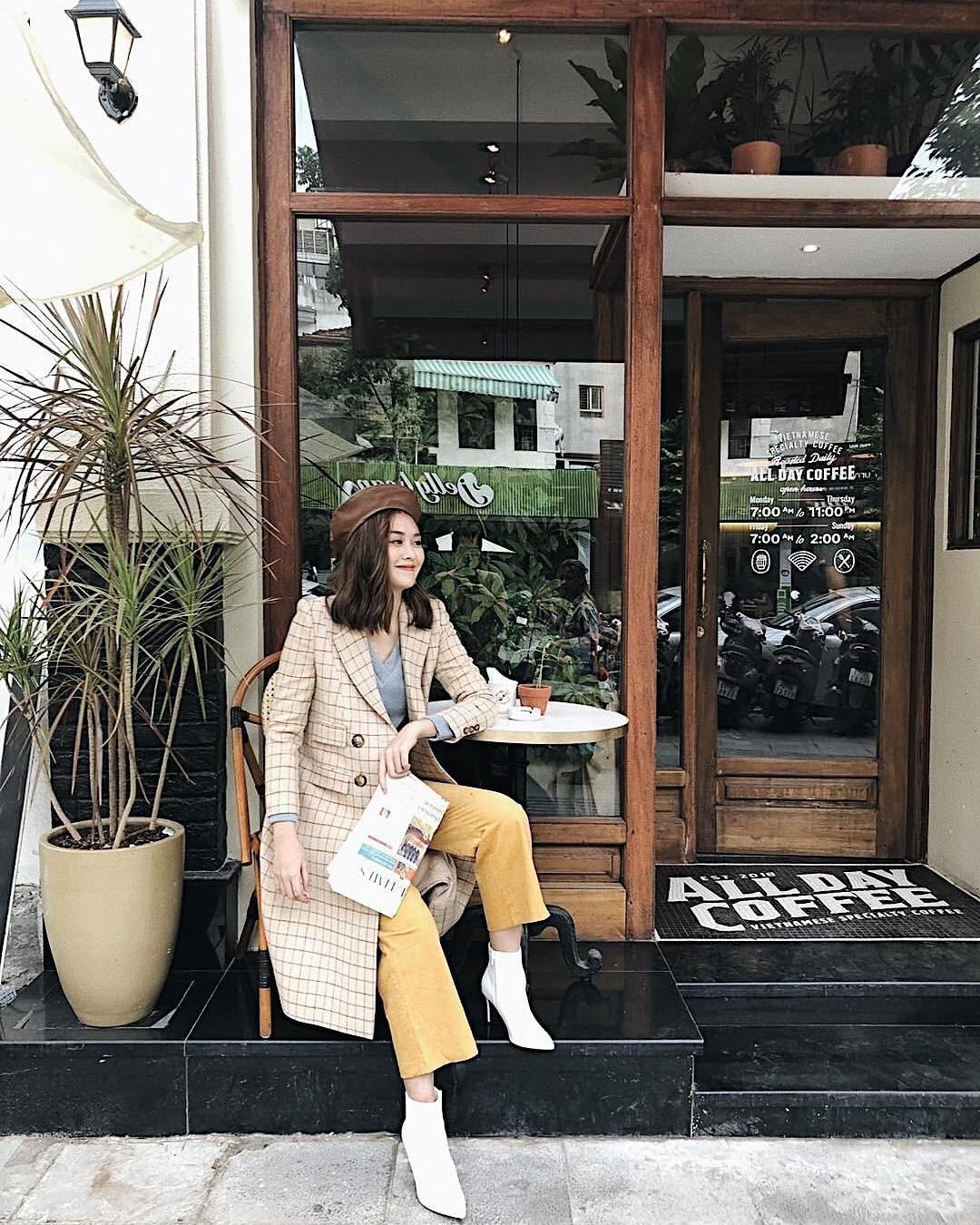 Muốn mặc đâu chuẩn đấy trong tiết trời se lạnh, bạn chỉ việc copy 10 công thức street style xuất sắc này từ loạt hot girl Việt - Ảnh 10.