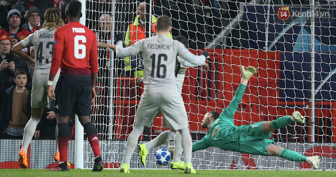 Vua đệm bóng Ronaldo biến thành vua dọn cỗ giúp Juventus ca khúc khải hoàn ở Champions League - Ảnh 12.