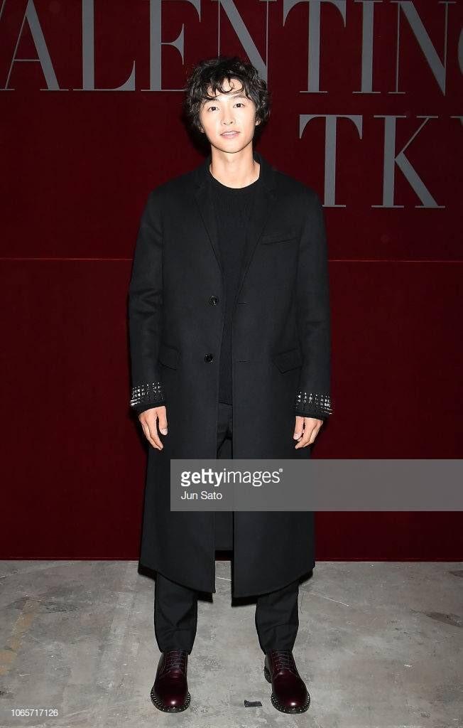 Ngược đời Song Joong Ki dự sự kiện với loạt sao siêu hot: Hình chụp vội đáng yêu, ảnh chính thức xuống sắc khó đỡ - Ảnh 9.