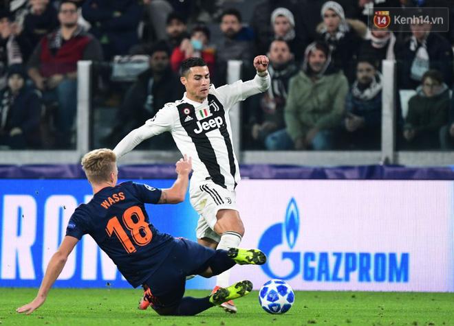 Vua đệm bóng Ronaldo biến thành vua dọn cỗ giúp Juventus ca khúc khải hoàn ở Champions League - Ảnh 8.