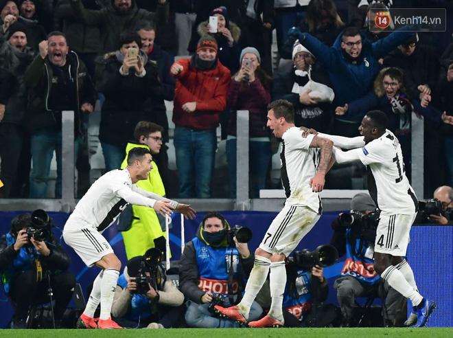 Vua đệm bóng Ronaldo biến thành vua dọn cỗ giúp Juventus ca khúc khải hoàn ở Champions League - Ảnh 2.