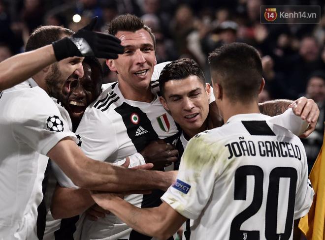 Vua đệm bóng Ronaldo biến thành vua dọn cỗ giúp Juventus ca khúc khải hoàn ở Champions League - Ảnh 10.