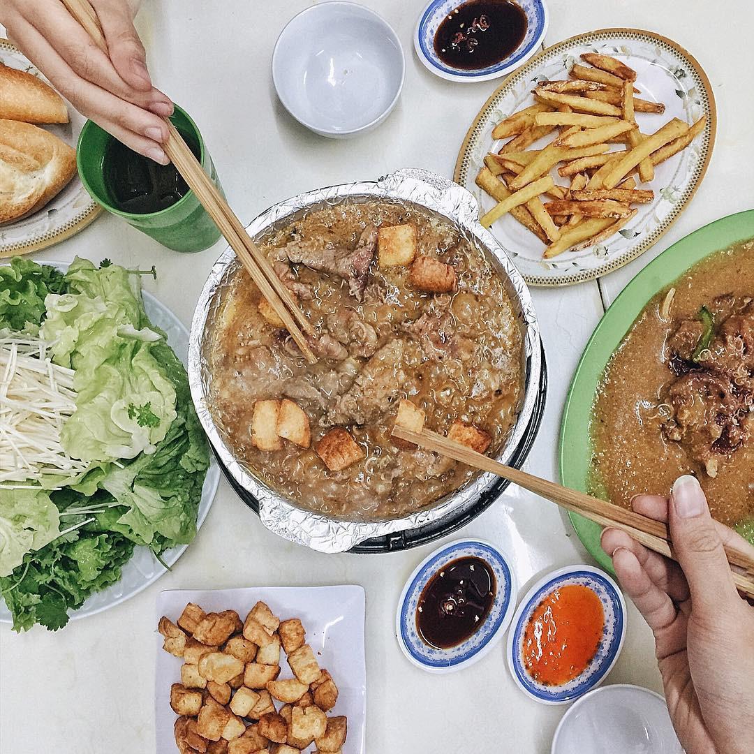 Những lúc chả biết ăn gì ở Hà Nội thì hãy nghĩ ngay đến 5 món bò dễ chiều lòng người sau đây - Ảnh 2.