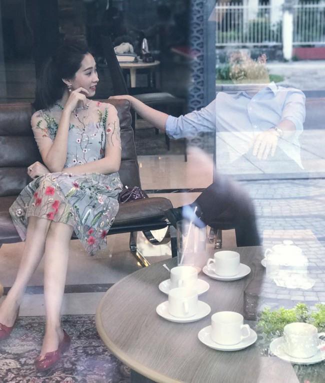 Ngọt ngào như vợ chồng nhà HH Thu Thảo: Từ lúc hẹn hò tới giờ vẫn rất tích cực diện đồ xuyệt tông với nhau - Ảnh 7.